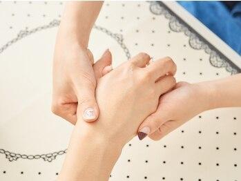 オブ グレイス(Of Grace)の写真/[ハンドケア¥3500~]定期的な『先端ケア』で清潔感ある美しい指先…大人女性のこだわりに合わせ3Price用意!