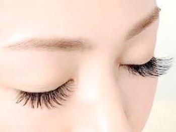 ティファアイラッシュアンドネイル 武蔵小杉(Tiffa eyelash&nail)の写真/【武蔵小杉9:00~21:00】フラットラッシュ/ボリュームラッシュ◆羽のように軽く持続性◎デザイン提案も可
