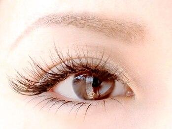 ティファアイラッシュアンドネイル 武蔵小杉(Tiffa eyelash&nail)の写真/【武蔵小杉9:00~21:00】ボリュームラッシュ/フラットラッシュ 自まつ毛が少ない方でもボリューム感UP♪