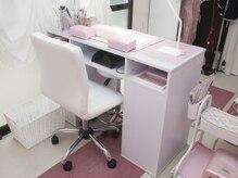 パーチ(PERCH)の雰囲気(白とピンクを基調としたメルヘンで可愛らしい店内です☆)