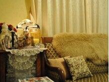 ベストボディー スリム スリム 新潟店の雰囲気(アンティークの家具や雑貨が並ぶ空間で、ゆっくりお寛ぎ下さい)
