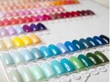 ネイルシェルター 本店の雰囲気(カラーは500色以上、デザイン・お写真も多数ご用意しております)