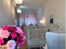 キャンアイドレッシー 志木店(Can I Dressy)の雰囲気(奥1席、手前1席、2席に減らしご案内致しております。(席間3m))