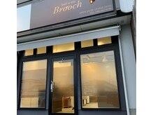 ヘアアンドアイ ブローチ(Brooch)