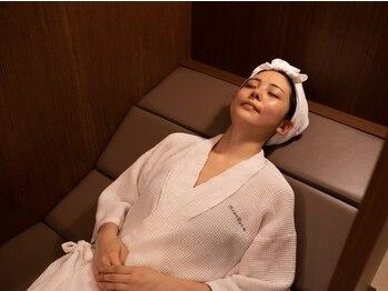 米ぬか酵素浴サロン ブランルーム 自由が丘店(Bran Room)の写真/フカフカの米ぬかで凝り固まった身体全体がほぐれ、日々の疲れもリフレッシュ!大量発汗でストレス発散に。