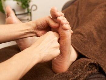 リーフの写真/足裏刺激とふくらはぎ,すねもしっかりケア◎癒されるアロマ足湯付♪ボディケアとのお得なセットもご用意♪