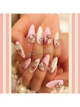 イーエルネイル(eL NAIL)/ピンクのお花ネイル