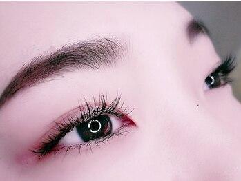 ライト ネイルズ ニシノミヤ(light nails NISHINOMIYA)の写真/【ボリュームUPで理想の目元に】ナチュラルで軽い付け心地♪おしゃれなブラウンカラーもオススメ☆