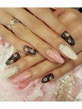 トリーシア(Nail & Beauty Salon Tri-xia)/パールフラワーネイル
