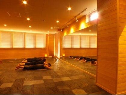 溶岩盤ヨガスタジオ シンプル 福岡天神店(YOGA STUDIO SiMPLE)の写真