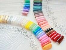 カラーやパーツの種類が豊富◎貴女にピッタリな色が見つかる!