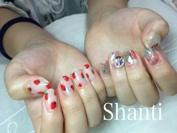シャンティ ネイルサロン(Shanti nail salon)/左右非対称!ニュアンスフルーツ