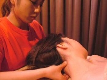 指ラックス 新宿店の写真/【もみほぐし60分¥4998】つらい首・肩のコリは指ラックスの凄腕のスタッフが集中的にアプローチ☆