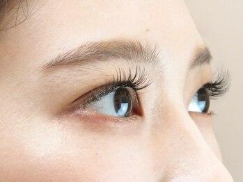 アイリスアイラッシュ(ailis eyelash)の写真/美容液コーティング仕上げ♪モチが悪い/バラつく/自まつ毛が弱い…そんなお悩みの方に!フラットラッシュ有