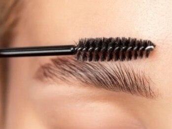 シェリーラッシュ(Cherie Lash)の写真/《話題の眉毛パーマ!!》アイブロウリフトでお顔の印象を変える!毛流れを整えて扱いやすい眉毛に◎