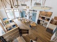 シャラナム ヨガスタジオ(SHARANAM YOGA STUDIO)の雰囲気(カフェも併設しております♪ヨガの後のティータイムを―。)