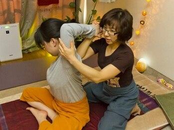すっくじゃいの写真/辛い肩こりもほぐします。タイ古式+ヘッドアイマッサージ日頃のお仕事で溜まった目の疲れ/首肩こりを解消!