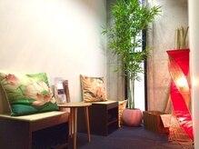 リラクゼーションサロン 美蓮 浅草店の雰囲気(竹のそよぐ待合室でゆったりお待ちいただけます)