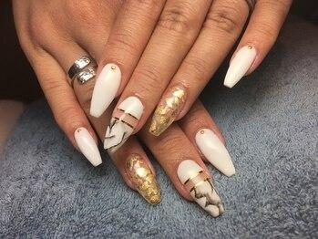 ネイルズ ラ ブリーサ(nails La Brisa)/長さ出しと持ち込みデザイン
