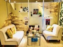 チャチャ 立川店の雰囲気(家具や小物に至るまで可愛い雑貨が並ぶハワイアン空間♪)