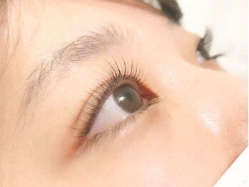 ラルナ ネイルアンドアイラッシュサロン(LA LUNA nail & eyelash salon)の写真/パリジェンヌラッシュリフト☆5980円/まつ毛パーマ4980円!ナチュラルな抜け感が欲しい方にも◎柔らい目元に
