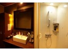 メイクスペースとシャワー設備完備♪