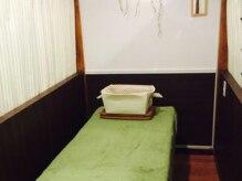 コリほぐし 下北沢代沢店の雰囲気(カーテンで仕切られた程良いプライベート感に心からリラックス♪)