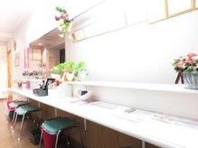 美容サロン セピアの雰囲気(落ち着いたメイクコーナーがあるから、ゆったりメイク直しもOK♪)