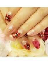 トリーシア(Nail & Beauty Salon Tri-xia)/大人フラワーネイル