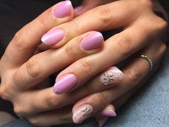 ネイルズ ラ ブリーサ(nails La Brisa)/シンプル×プチゴージャス☆