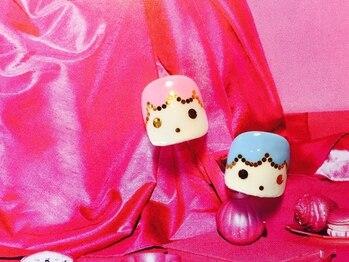 アマランス(Amaranth)/キキ&ララフットネイル 6,500円
