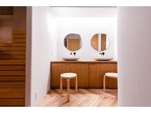 ミネラリズム(mineralism)の雰囲気(北欧家具を置いたデザイン性ある空間でリラックス◎)