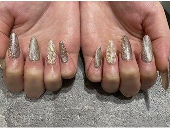 スティル アンレーベル ネイルアンドアイラッシュ(STILL unlabel)の写真/【STILL un label】の《スカルプ定額メニュー》は種類が豊富!爪の形に合わせた丁寧な施術で満足度も◎