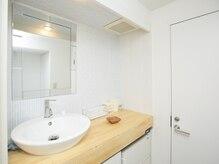 ブリリアント スパ(BRILLIANT SPA)の雰囲気(洗面台もある完全個室空間◎お化粧直しもしていただけます!)