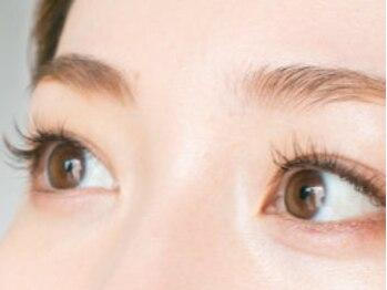 アイラッシュサロン ドア(DOOR)の写真/【¥2980~!!】大人気♪美眉形成アイブロー導入スタート☆まつ毛とのセットクーポンもご用意アリ◎