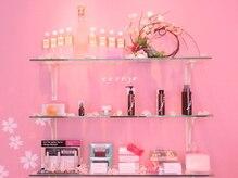 サロン ド セレジェの雰囲気(【可愛いピンクの店内】女性が大好きなピンクの店内で・・・♪)