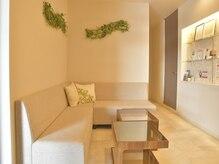 もみまる はなれの雰囲気(当サロンの待合室です♪清潔感があり、落ち着ける空間です。)