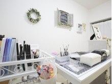 エコル('ekolu)の雰囲気(白を基調とした清潔感溢れる店内。)