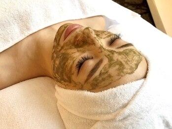 リッチ(Rich+)の写真/大人女性の全ての肌悩みに…剥離なしの『ハーブピーリング』でお肌に優しく毛穴汚れをケア♪敏感肌の方も◎