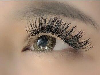 ウル アイラッシュ(ulu eyelash)の写真/驚異のモチ&ボリューム!リーズナブルで通いやすさ抜群◎初めての方にも♪【バインドロック120束¥6800】