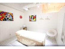 ソイズ 横浜(SOIS)の雰囲気(個室はセンスが光るアーティスティックな空間♪)