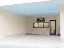 ティアラ(tiara)の雰囲気(お店の前に駐車場2台分完備しております♪)