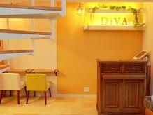 ビューティーリゾート ワープ ディーバ(Beauty Resort warp DiVA)の雰囲気(落ち着いた店内でリラックスできます)
