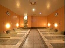 東京岩盤浴の雰囲気(なんと全44床!色んなタイプのスペースがあるよ☆)