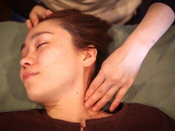 ブロッサムボーテ アンド ヘリクス(blossom Beaute&HELIX)の写真/筋膜と関節のズレを正常に!中々改善しない首肩のコリ・痛みに【首肩コリ改善・筋膜リリース60分¥4980】