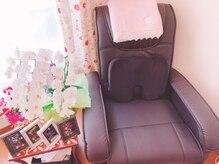 モナリザネイル(Monna Lisa nail)の雰囲気(フット席もふかふかのソファで寛ぎながら施術を受けて頂けます◎)