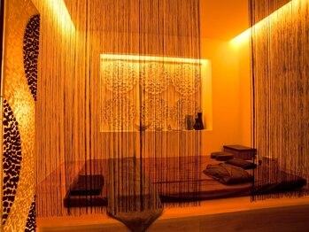 リーズ(RIES)の写真/沖縄では数少ない個室サロン。完全個室でのリラクゼーションにこだわり、スペースを贅沢に使用しています。