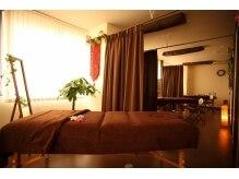 アジアージュサロン マハロの雰囲気(広々としたベッドルーム。女性専用でメイクルームもご用意♪)