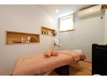 個室ルームが6部屋。エステ・リラク・まつ毛はこちらで施術!
