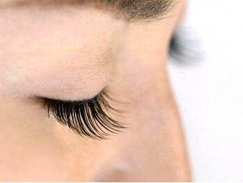 エステサロン アンヴィ(un.vie)の写真/癒しと美を提供するun.vie[アンヴィ]で貴女の魅力もっとUP♪目の形に合わせて理想の目元を演出します★
